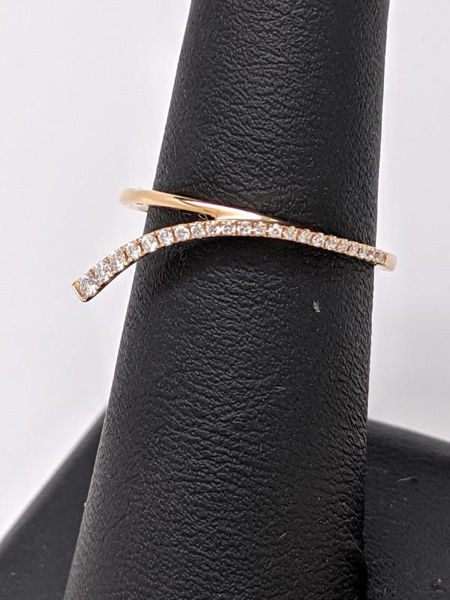 Picture of Diamond and Rose Gold Band