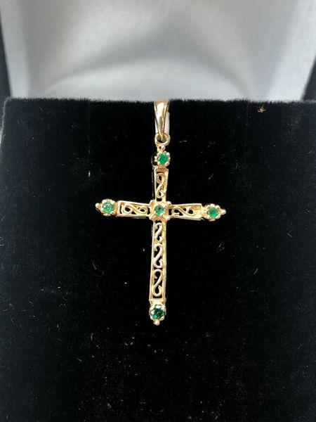 Picture of Emerald Cross Pendant