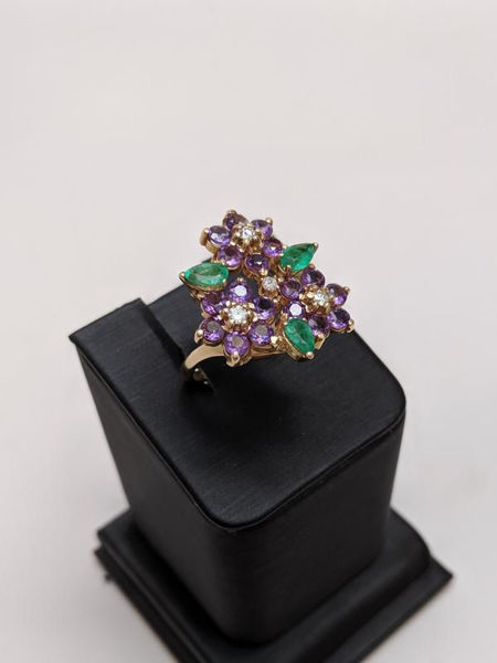 Picture of Floral Gemstone Ring