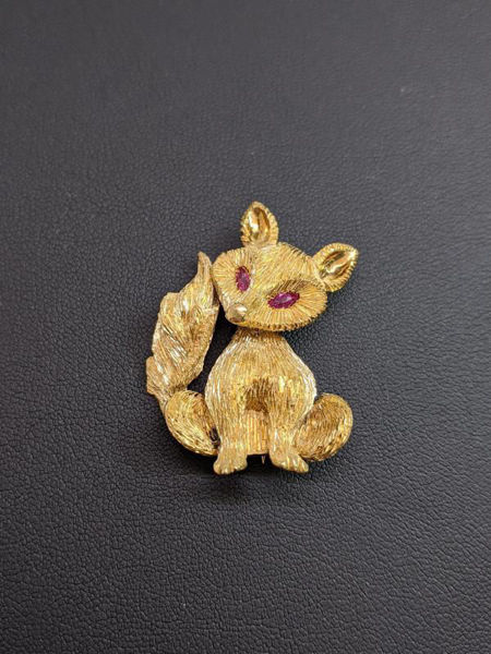 Picture of Gold Fox with Ruby Eyes Brooch