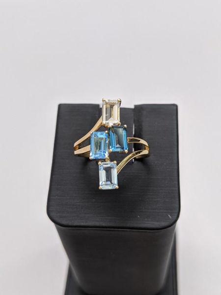 Gradient Blue Topaz Ring