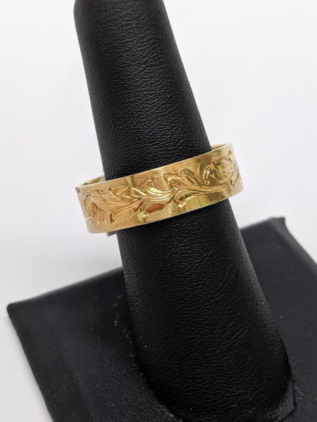 Picture of Hand Etched Gold Band