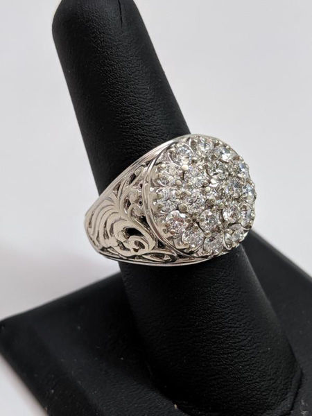Picture of Kentucky Cluster Ring
