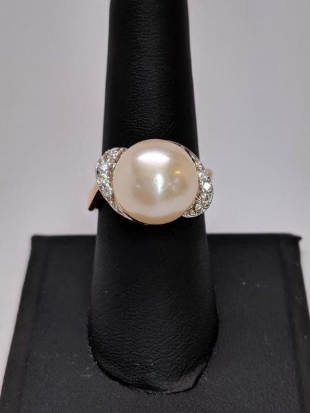 Picture of Pearl and Diamond Ring